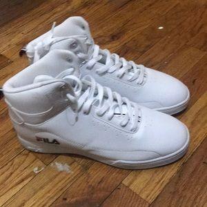 I'm selling white Fila sneakers